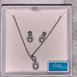 Pearl and Aquamarine earring and necklace set